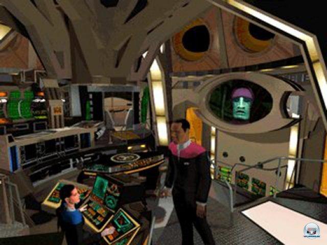 <b>Star Trek: Deep Space Nine - Harbinger (1996, Viacom) </b> <br> <br>  Auch das Adventure-Genre wurde immer mal wieder mit einem Star-Trek-Titel bedacht. Harbinger aus dem Jahre 1996 kombinierte damals geschickt Realfilm-Sequenzen, Point&Klick-Mechanismen und Action-Einlagen miteinander und bewegte sich eng an der Serie. Aufgrund komplizierter Mechaniken und des teilweise unausgegorenen Genre-Mixes blieb der große Erfolg jedoch aus. 92459701