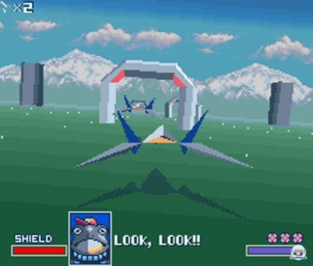 <b>StarWing</b><br><br>Do a barrel roll: Im Jahr 1993 sollte StarWing (in Japan und den USA StarFox genannt) die Kraft des im Modul eingebauten Super-FX-Chips beweisen. Raumschiffe und Kulissen setzten sich zwar noch aus untexturierten Riesenpolygonen zusammen, aber für damalige Heimkonsolen-Verhältnisse konnte sich das Gebotene trotzdem sehen lassen. Der Space-Shooter wurde unter anderem auf dem N64 und dem Gamecube fortgesetzt. 2234717