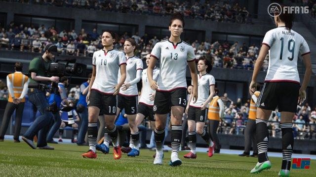 Zum ersten Mal spielen auch ausgewählte Frauen-Nationalmannschaften mit.