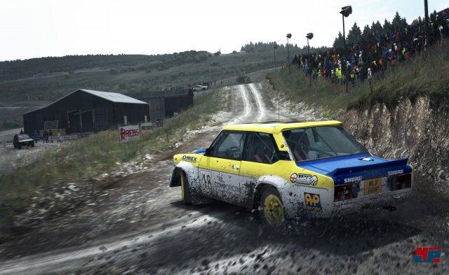 Tolles Rallye-Flair, hoher Anspruch und ein starkes Fahrgefühl zeichnen DiRT Rally aus.