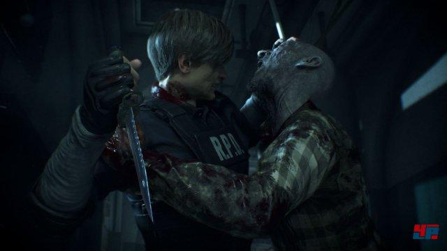 Der will doch nur kuscheln? Für einen kleinen Snack gehen Zombies gerne auf Tuchfühlung.