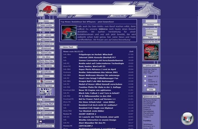 Im Jahre 2000 ging es los: Gegründet wurde 4Players von vier Jungspunden, die zu viel Zeit hatten. Gerüchte, nach denen sie beim Start so blau waren wie das allererste Design, sind dreckig an den Haaren herbeigezogen und überhaupt nicht war und total erlogen und alles! Abgesehen von der tintenfischigen Grundfarbe war das Design noch sehr spartanisch: Anfangs wurden nur ein paar Plattformen bedient - PC, PlayStation, PlayStation 2, Dreamcast (oho!), kurz darauf kamen Xbox, GBA und GameCube dazu. Aber auch das Team wuchs schnell: Waren es anfangs gerade mal eine Hand voll Leute, die das Magazin zusammenhielten (zugegebenermaßen war es eine Tschernobyl-Hand: drei fest angestellte sowie zehn frei Redakteure), tummelten sich nur ein Jahr später bereits neun vertraglich angekettete Mitarbeiter sowie ebenso viele in Freiheit lebende Schreiberlinge im legendären Klotz im beschaulichen Kirchheim am Münchener Rand. 1850043