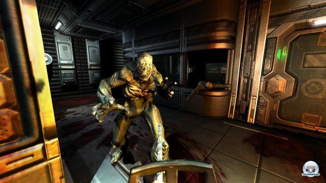 Düstere, metallische Gänge, aus dem Nichts erscheinende Gegner - Doom 3 ist ebenso berühmt wie berüchtigt.