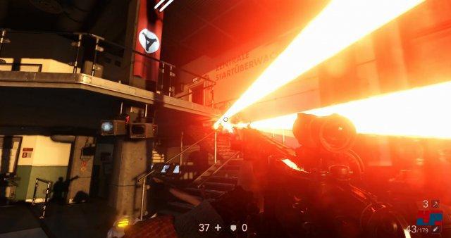 Ein Regime-Soldat mit doppeltem Laserkraftwerk versucht BJ aufs Korn zu nehmen.