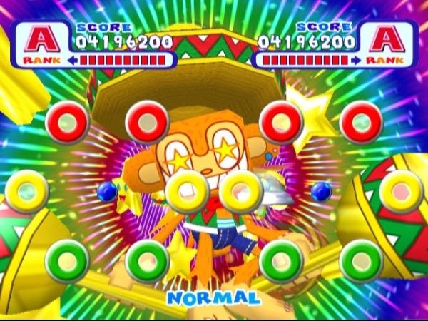 Samba de Amigo (1999)<br><br>Dass das Sonic Team nicht nur Spiele mit Igeln drin machen kann, bewiesen die Japaner u.a. mit Games wie NiGHTS into Dreams, ChuChu Rocket, Phantasy Star Universe und Samba de Amigo: Ein Spiel, das laut unserem Michael nach wie vor eines der besten und coolsten Rhythmusgames ist - und das aus dem Munde des aktuellen Guitar Hero-Gottes! Das Spielprinzip ist sogar recht ähnlich, nur dass man hier statt mit Plastikgitarren mit Plastikmaracas den Rhythmus zu halten versucht. Außerdem spielte man einen Affen mit Sombrero - wollte das nicht schon jeder irgendwie mal sein? Falls ihr dazu noch keine Gelegenheit hattet: Eine Wii-Umsetzung ist gerade in Arbeit. 1726996