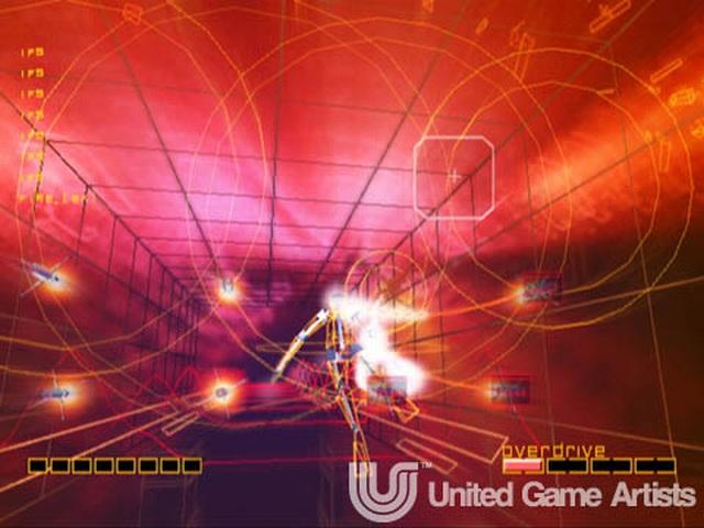 <br><br>Ein weiterer Vertreter, der es mittlerweile in einer HD-Variante auf Xbox Live geschafft hat: Rez. Das von Tetsuya Mizuguchi produzierte Spiel ist mit seiner Mischung aus minimalistischer Grafik, psychedelischen Effekten und dem grandiosen Soundtrack sicherlich einzigartig. Wer keine Dreamcast besitzt, sollte sich das Ding schnellstens laden, den Raum abdunkeln, am besten Kopfhörer aufsetzen und anschließend dieses audiovisuelle Erlebnis der Extraklasse genießen... 2068273