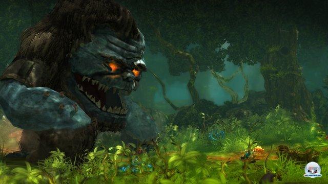 Eingestreute Verfolgungsjagden sorgen für Zeitdruck. Das Schöne daran: Die Monster passen ihre Geschwindigkeit nicht dem Spieler an, sondern schlagen bei Fehltritten eiskalt zu.