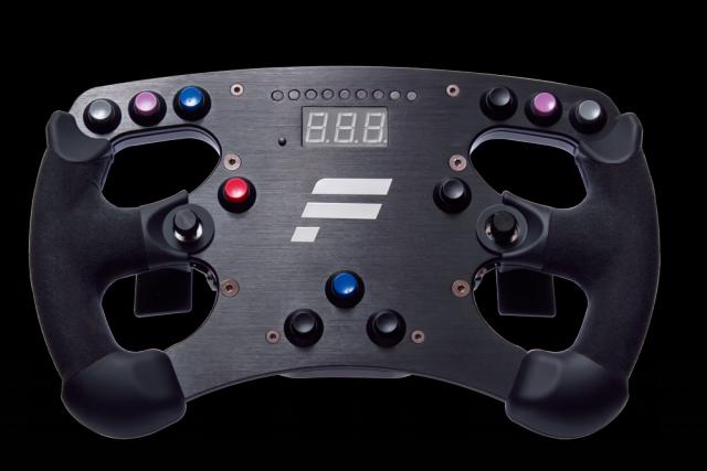 """Das ClubSport Lenkrad Formula ist """"PS4 ready"""" und lässt sich daher neben dem PC auch an der Sony-Konsole verwenden."""