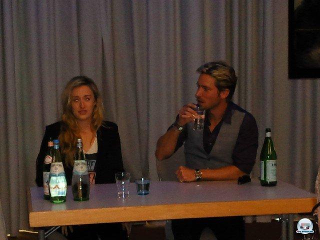 ...und ihre Darsteller Ashley Johnson und Troy Baker auf der gamescom.
