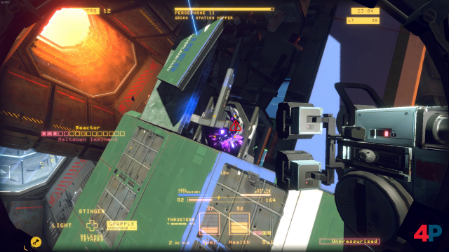 Hoppla! Überhitzt der Reaktor, muss man schnell sein, um ihn zu retten. Gelingt das nicht, explodiert ein Großteil des Wracks.