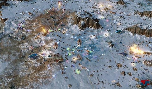Ashes of the Singularity entfacht ansehnliche, futuristische Massenschlachten mit Hunderten von Einheiten auf einem Schlachtfeld.