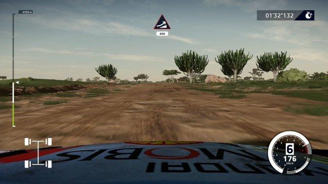 Eigentlich wurde ein Großteil der Rallye-Etappen eng und verwinkelt gestaltet. In Afrika darf man dagegen in extrem breiten Vollgas-Passagen durchatmen.