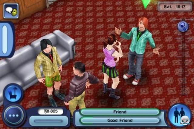 <b>The Sims 3</b> <br><br> Besser schnitt EA mit der Portierung von Sims 3 ab. Gegen das üppige PC-Original können die kleinen iSims zwar nicht anstinken, mit über 70 Lebens-Wünschen und dem einfach gestalteten Aufbau sozialer Kontakte wird man trotzdem rund zwölf Stunden gut unterhalten. Wir bewerteten die mobile Lebenssimulation mit 81 Punkten. 2236054