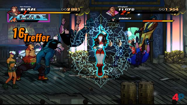 Gemeinsam stark: Blaze und Floyd im Zweispieler-Modus - hier lässt die SoR-Veteranin einen Spezial Move vom Stapel.