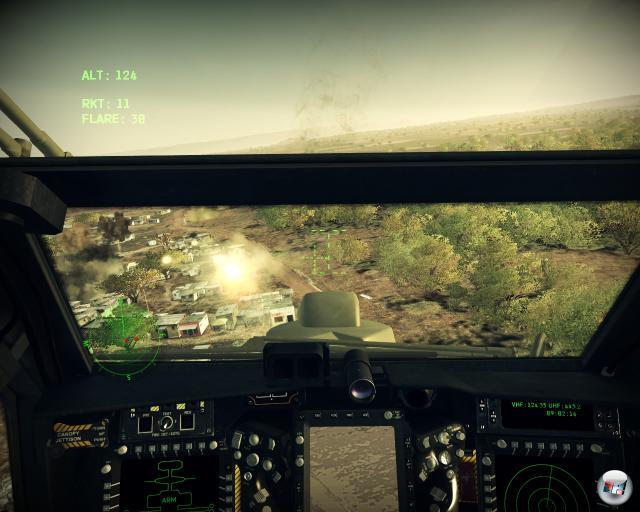 Man kann zwischen vier Perspektiven umschalten, wobei die Soundkulisse in der Cockpitansicht merkwürdig leise ist.