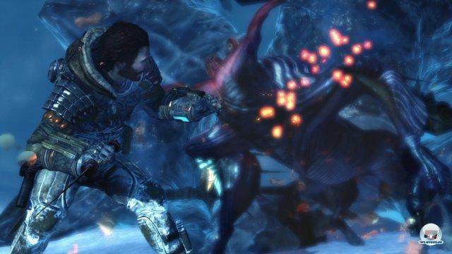 Der furiose Kampf gegen die Akriden spielt natürlich eine zentrale Rolle. Je nach Situation greift Jim zu Fuß oder vom Cockpit aus an.