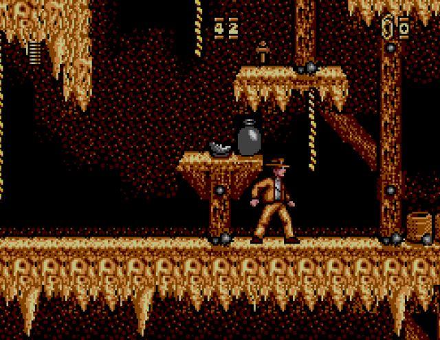 Indiana Jones and The Last Crusade (1989)<br><br>Bevor die Adventure-Fans mit Fackeln und Heugabeln nach uns schmeißen: Selbstverständlich meinen wir nicht das prächtige Point-n-Klick-Abenteuer von Lucasfilm Games! Unser Bannstrahl richtet sich auf das scheußliche Jump-n-Run, das zeitgleich die Plattformen flutete, übrigens unter dem gleichen Titel. Wer zur falschen Packung griff, durfte sich mit hässlicher Grafik, langweiligem Leveldesign sowie einer Steuerung herumschlagen, die schwammiger als Spongebob war. 1723562