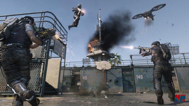 Die explosiven Mehrspieler-Gefechte rocken. Vor allem die neue vertikale Bewegung überzeugt.