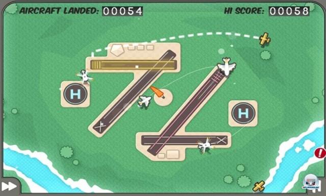 <b>Flight Control</b> <br><br> Namcos Flight Control ist noch so ein Vertreter der kleinen Süchtigmacher, welche die Ära iPhone am stärksten geprägt haben. Nur wer den Passagierjets flott genug mit dem Finger den Weg weist, verhindert das Flughafen-Chaos. Im Test gab's 80 Punkte für die iPod-Version. 2236044