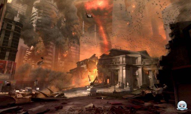 <b>Dicke Luft in Texas</b><br><br> Nach Gerüchten um eine Einstampfung wird Doom 4 mittlerweile für die kommenden Konsolen entwickelt. Nach der Übernahme von id durch Zenimax im Jahr 2009 hatten Carmack & Co. noch frohlockt, man könne endlich weitere Teams aufbauen und mehrere Projekte parallel angehen. Doch der Entwickler verzettelte sich offenbar, denn das eigentlich geplante Rage 2 wurde eingestellt. Laut eines Kotaku-Berichts setzte Bethesda dem Team fünf Jahre nach der Ankündigung von Doom 4 die Pistole auf die Brust: Falls das Spiel keine Fortschritte mache, könnte id zu einem ausschließlich auf Technologie spezialisierten Team umgebaut werden. 92465953