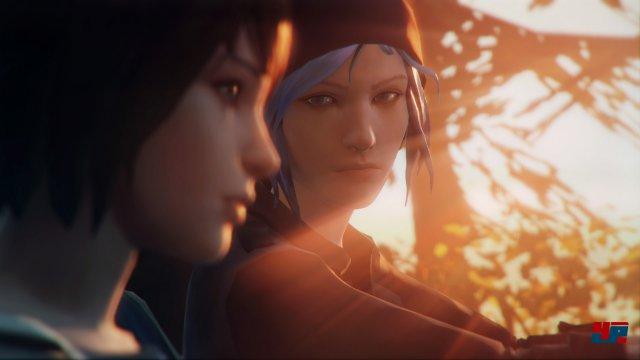 Max (links) und Chloe suchen in dem verschlafenen Arcadia Bay ein verschwundenes Mädchen.