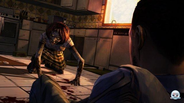 Man spielt Lee Everett, der sich hier einem kriechenden Zombie erwehren muss - in Form eines Reaktionstests: Erst mit dem Fadenkreuz zielen, dann treten.