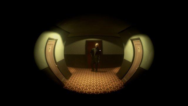 Der Blick durch den Türspion gehört zu den wenigen Momenten, in denen Twelve Minutes aus seinem starren Kamera-Konzept ausbricht.