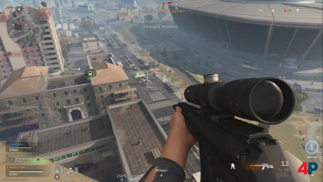 Warzone unterstützt viele verschiedene Spieltypen: Für Sniper-Freunde gibt es zahllose gute Spots. Allerdings ist dank Panzerung nicht jeder Treffer tödlich.