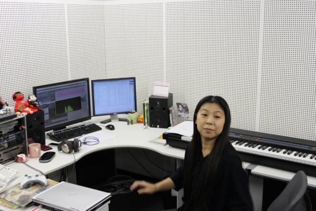 Eine für alle <br><br> Chikayo Fukuda schreibt die Musik für alle Titel, die bei CyberConnect2 entstehen. Momentan arbeitet sie an den letzten Tracks für Asura's Wrath und gab sogar eine kurze Live-Kostprobe. 2317692