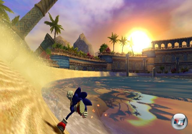 <b>Sonic und die geheimen Ringe (2007)</b><br><br>Nein, denn die taufrische Wii hat das Sonic Team offenbar wachgeknutscht und zu neuen Ideen inspiriert. Oder um es mit den Worten unseres Testers Jens zu sagen: <i>»Abwechslungsreiches Leveldesign, tolles Geschwindigkeitsgefühl sowie eine schnell in Fleisch und Blut übergehende Handhabung sorgen für kurzweilige Jump-n-Run-Action vor traumhafter Orientkulisse«</i> - na, wenn das mal nichts ist! Endlich ein vernünftiges 3D-Sonic! Aber das sollte noch nicht der Höhepunkt gewesen sein, denn 2007 blieb für den Igel weiterhin ein aufregendes Jahr... 1858968