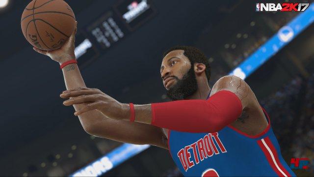 Auf dem Platz demonstriert NBA 2K17 seine ganzen Stärken: Kulisse und Spielmechanik sind sehr gut, gleichen aber jener aus dem Vorjahr zu stark.