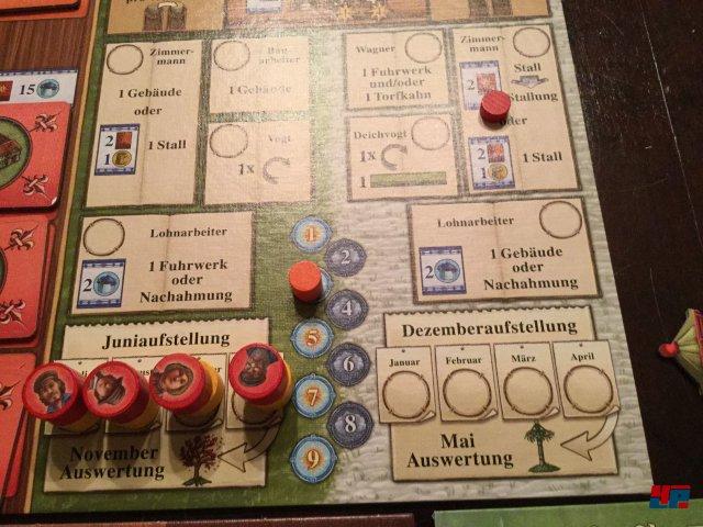 Arler Erde ist für knapp 50 Euro auf deutsch bei Feuerland Spiele erschienen. Es ist für zwei Personen ausgelegt; kann auch alleine gespielt werden.