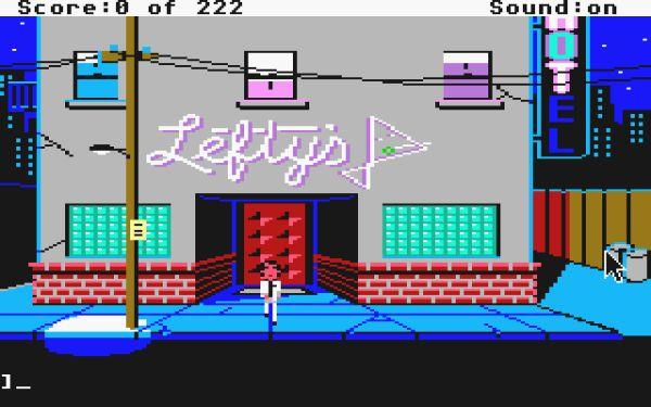 Leisure Suit Larry<br><br>1981 veröffentliche On-Line Systems das Textadventure »Softporn« - ein Spiel, in dem es darum ging, dass ein Loser die heißesten Frauen abbekommt. Ein aus heutiger Sicht harmloser Spaß (mit der halbnackten Roberta Williams auf dem Cover), der aber erheblichen Einfluss auf eine erfolgreiche Serie hatte: Al Lowes »Leisure Suit Larry«! 1987 begannen die Abenteuer der 40jährigen Jungfrau in »Leisure Suit Larry in the Land of the Lounge Lizards«, das den grundsätzlichen Aufbau und einige der Puzzles aus Softporn in eine putzige grafische Hülle packte, eine Extraportion Humor dazumischte und über Nacht zum Hit wurde - trotz des fragwürdigen »Alterschecks«: Der sollte sicherstellen, dass nur volljährige Spieler das Game zocken konnten. Die Entwickler dachten sich dafür Fragen aus, die ihrer Meinung nach nur Erwachsene beantworten konnten, in Prä-Internet-Zeiten ein durchaus plausibler Gedanke. Dummerweise waren die meisten davon so USA-zentriert (z.B. »Der wievielte US-Präsident war Richard Nixon?«), dass Spieler außerhalb dieses Wissenskreises fast zu Außenstehenden gemacht wurden. »Fast«, weil man den Alterscheck per Strg+Alt+X überspringen konnte. Außerdem dürfte die Larry-Reihe eine der wenigen sein, in denen es zwar einen dritten und fünften, aber keinen vierten Teil gab: Dieser (scherzhaft »The Missing Floppies« genannt) war Teil des gescheiterte »The Sierra Network«-Mehrspielerexperiments - inoffiziell ist damit das VGA-Remake von Larry 1 eigentlich Larry 4. 1718660