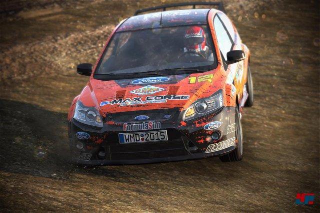 Rallycross auf staubigen Pisten stellt eine willkommene Ergänzung dar.