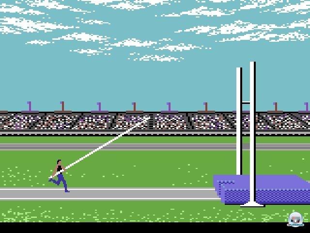 <b>Summer Games</b><br><br> Epyx' Summer Games sorgten 1984 für verrenkte Handgelenke und Unmengen zerbrochener Joysticks. Wer den robusten Competition Pro besaß, war den Besitzern des wabbeligen Quickshot weit voraus. Nur wer bei Hochsprung oder 100-Meter-Lauf wie ein Gestörter am Stick rüttelte, hatte die Chance auf eine Medaille. Weitere Sport-Highlights waren Winter Games, California Games, Konamis Track & Field, Microprose Soccer und das futuristische Hypa Ball. 2371812