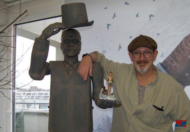 Benoit Sokal kümmert sich erneut um den erzählerischen Part seiner Spielreihe. Mit Inon Zur (nicht im Bild) hat man auch beim Soundtrack einen alten Bekannten im Team, der zwischenzeitlich z.B. für Fallout 4 komponierte.