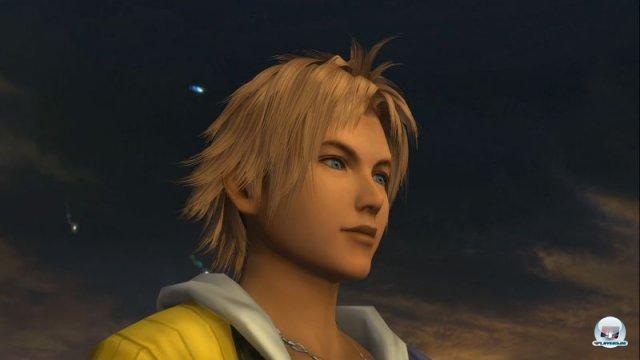 <b>Final Fantasy X (2013)</b> <br><br> Noch ein Neuaufguss aus dem Hause Square Enix: Da es sich bei Final Fantasy X um einen waschechten Klassiker handelt, freuen wir uns trotzdem drauf. Mit der Umstellung der Charakter-Entwicklung auf das Sphärobrett sowie dem Wechsel des Kampfsystems entwickelte Square die Serie vor zwölf Jahren konsequent weiter. Die grafisch aufgepeppte Fassung des PS2-Originals kommt für PS3 und Vita und enthält auch den Ableger X-2. 92459004