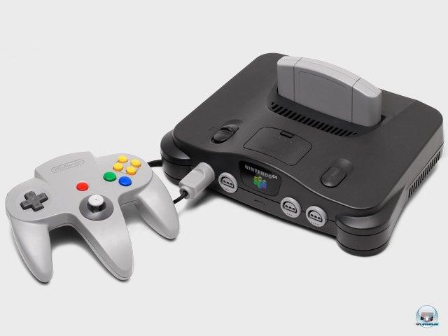 <b>Nintendo 64: 399 DM</b> <br><br> Am Morgen des 1. März 1997 bildeten sich kleine Schlangen an den Kassen deutscher Elektronikmärkte: Wer eine Anzahlung geleistet hatte, durfte am Starttag ein Exemplar von Nintendos neuer Konsole mit nach Hause zu nehmen. Der Preis war mit 399 DM offenbar zu hoch angesetzt. Nach nur acht Wochen sank er um 100 Mark, um gegen die boomende PlayStation zu bestehen. 92404057