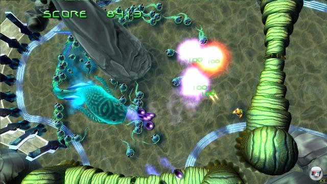 Mutant Storm Reloaded<br><br> Der zweite Genre-Vertreter für den Download-Dienst der Xbox 360 stammt vom Entwickler  PoMPoM Games. In Mutant Storm säubert ihr ebenfalls gleich mehrere Levels von diversen, herumwuselnden Mutanten. Der Schwierigkeitsgrad fällt nicht ganz so unbarmherzig aus wie bei Geometry Wars, so dass auch Anfänger auf ihre Kosten kommen. Auf dem Bild seht ihr den angekündigten Nachfolger Mutant Storm: Empire. 1716798