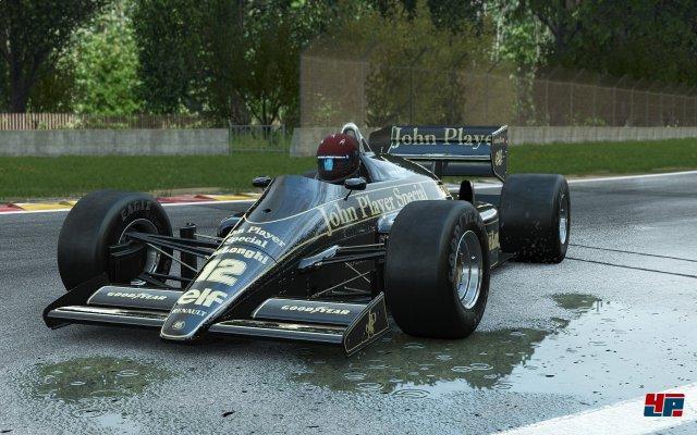 Der Fuhrpark hält auch eine Auswahl an Formel-Flitzern von Lotus bereit.