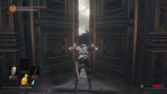 Hinter diesen schweren Flügeltüren wartet traditionell etwas Größeres...
