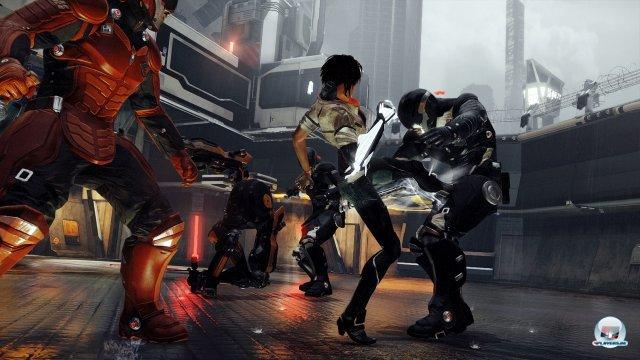 Kombotanz mit Arenaflair: Nilin reaktiviert mit der Zeit immer mehr Attacken und Spezialmanöver.