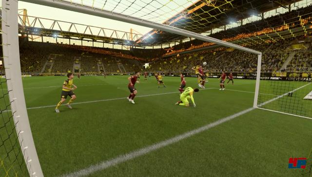 In FIFA 19 fallen die Tore zwar öfter auf andere Art, aber das Spielgefühl ist dasselbe.
