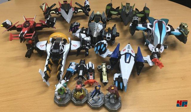 Wer die gesamte Starlink-Armada mit allen Piloten und Waffen als wertig verarbeitetes Spielzeug in seine Sammlung aufnehmen möchte, muss zusätzlich zum Starterpack etwa 200 Euro einkalkulieren. In der digitalen Variante ist alles deutlich günstiger.
