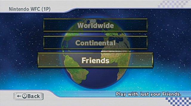 <b>Nintendo schläft weiter</b> <br><br> Nintendo hat mit der Wii den Trend nach der GameCube-Misere schon wieder verschlafen: Der umständliche Austausch von Freundescodes löste nicht gerade Begeisterungsstürme aus, ein Onlineservice nur in Ansätzen vorhanden. So hielten sich auch viele Hersteller zurück, die Internetanbindung der Konsole zu unterstützen. Mit der Wii U kann es nur besser werden - hoffentlich. 92418957
