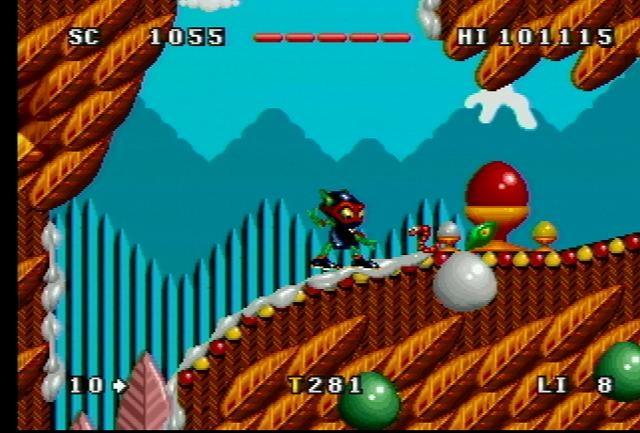 Zool <br><br>  Er sollte der große Sonic-Konkurrent werden, doch hat es der putzige Ninja aus der N-ten Dimension trotz Unterstützung von Chupa Chups nicht geschafft, an die Popularität des blauen Igels heran zu reichen. Und das, obwohl er sich neben dem Amiga auch auf weiteren Plattformen wie dem Atari Jaguar herumgetrieben und sogar noch eine Fortsetzung spendiert bekommen hat. Eines hatte er dennoch mit Segas Maskottchen sowie seinen vermummten Gefährten aus Japan gemeinsam: Flott ist er!   2090218