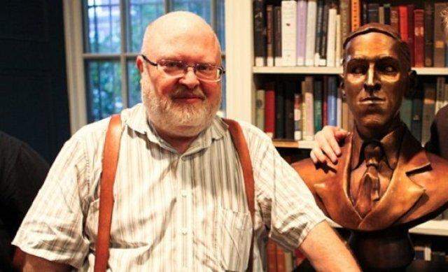 Der Amerikaner Sandy Petersen hat Cthulhu Wars konzipiert, das Artdesign stammt von Richard Luong.