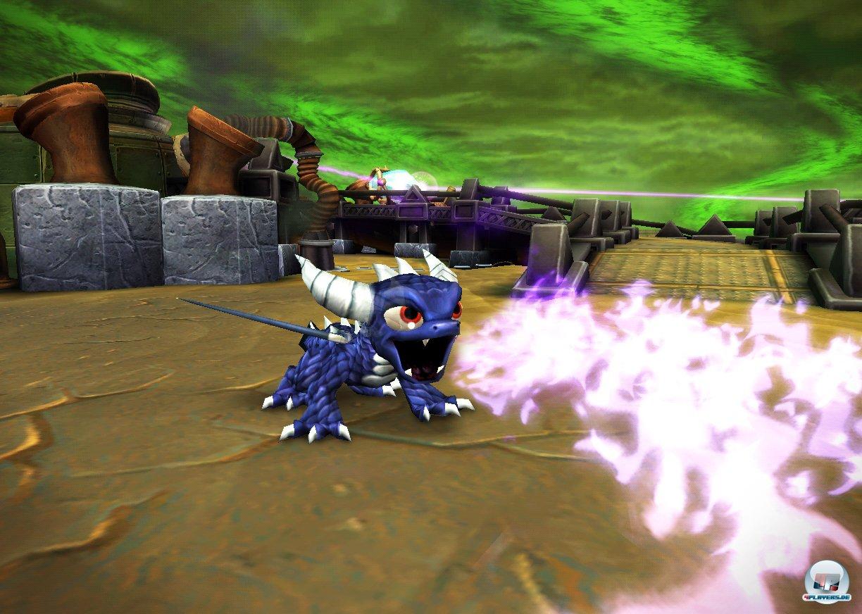 Activisions Edel-Hüpfdrache Spyro hat ebenfalls einen Gastauftritt in den Skylands.