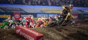 Scrubs und Stürze in der Motocross-Arena