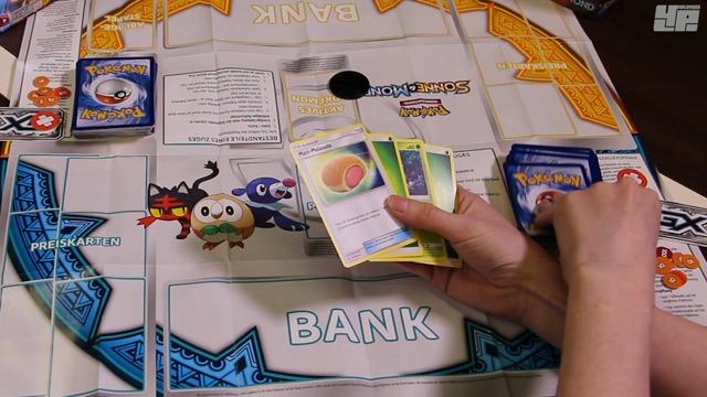 Spielszenen: Pokémon-Sammelkartenspiel